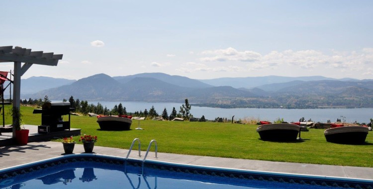 Our Favourite Wineries in Naramata Bench